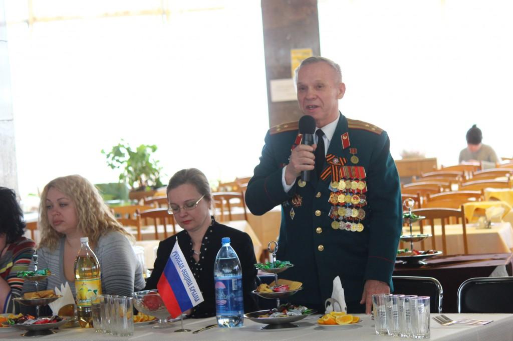 Ветераны ВОВ и представители Народного ополчения Крыма