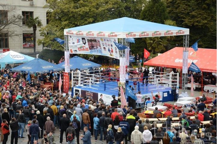 На Чемпионате Евразии по боевому самбо разыгрывали квартиру в Ялте