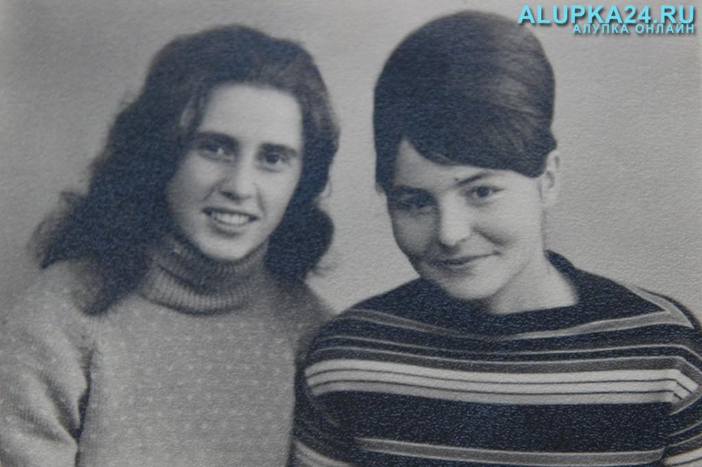 Людмила Солуянова (слева)
