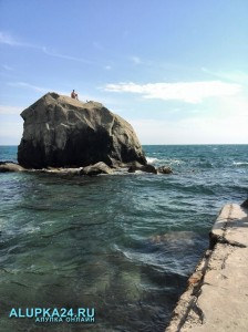 Детский пляж в Алупке -один из общедоступных пляжей