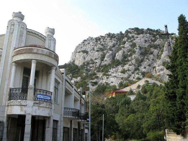 В Симеизе в санатории «Юность» массово уволят сотрудников