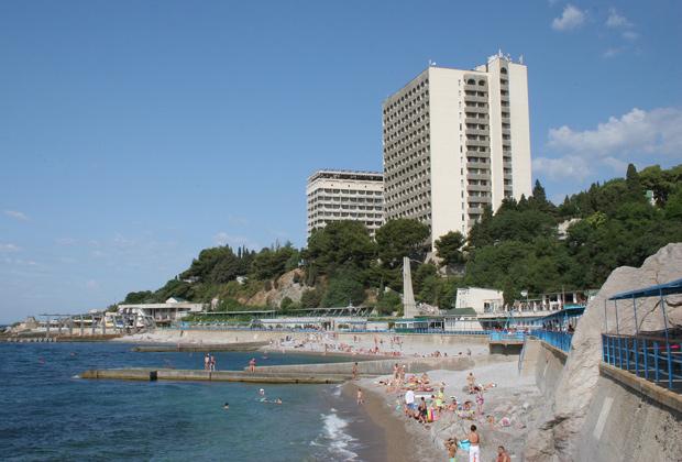 В Большой Ялте выставят на торги три санатория и дворец князя Романова?