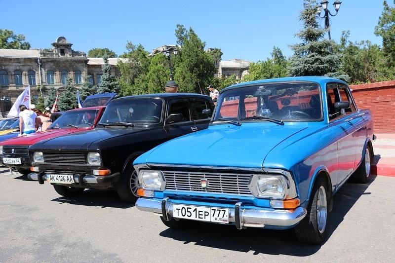 В Крыму состоялась выставка легендарных автомобилей «Москвич»