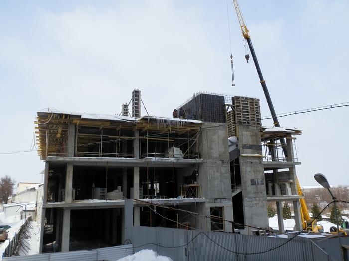 В Ялте приостановили строительство многоэтажки для проведения проверки