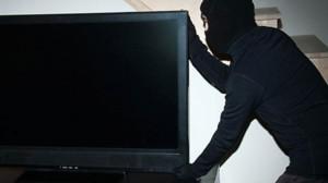 В Гурзуфе задержали вора телевизора