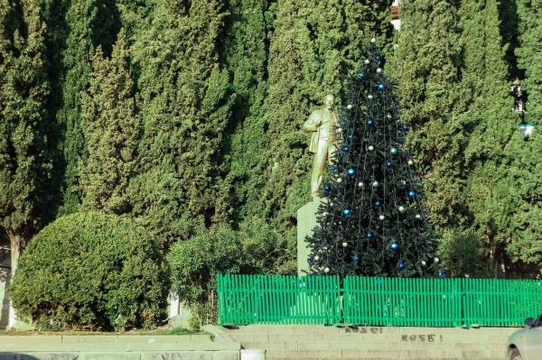 Новогодние ёлки в Алупке 2015 года