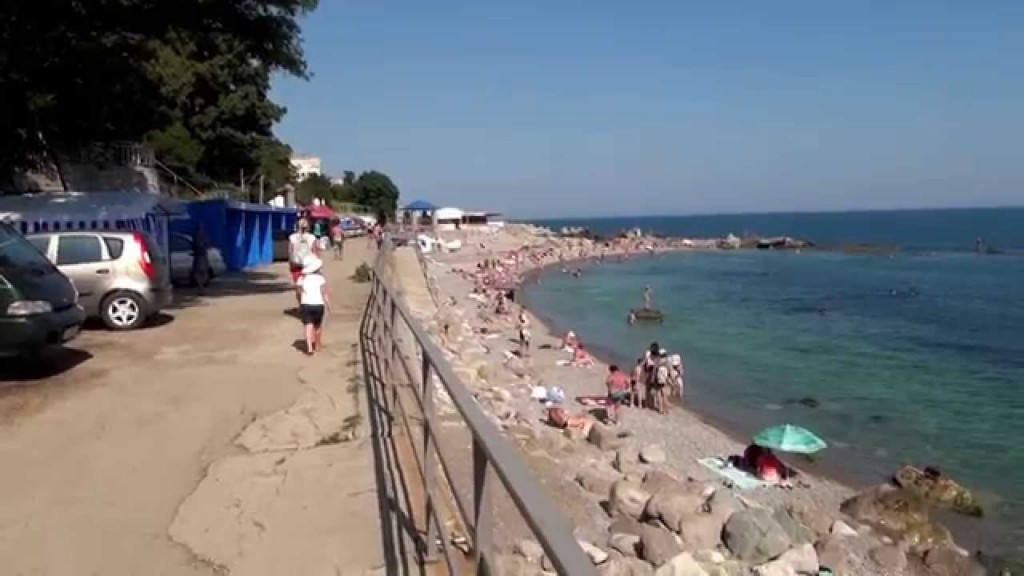 Ялтинские власти спасут от разрушения набережную в Симеизе