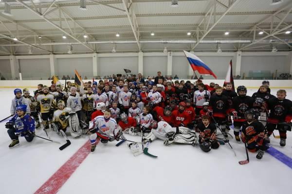 В Ялте состоялся турнир по хоккею среди детских команд «Кубок Ялты-2016»