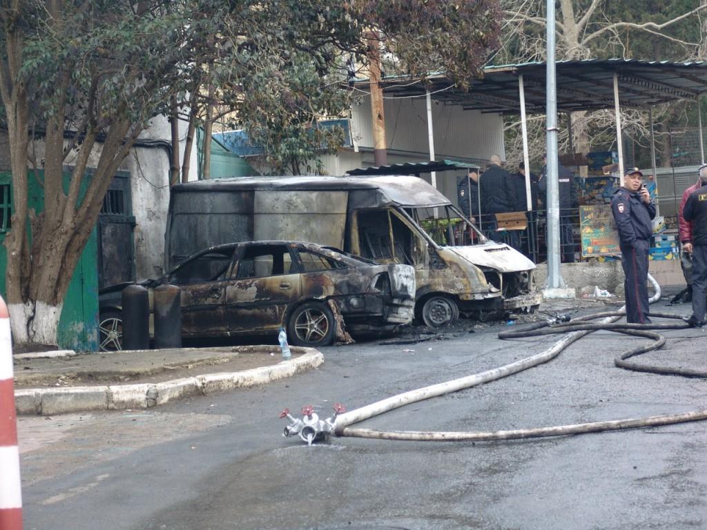 В Партените зафиксировали новые возгорания машин (фото)