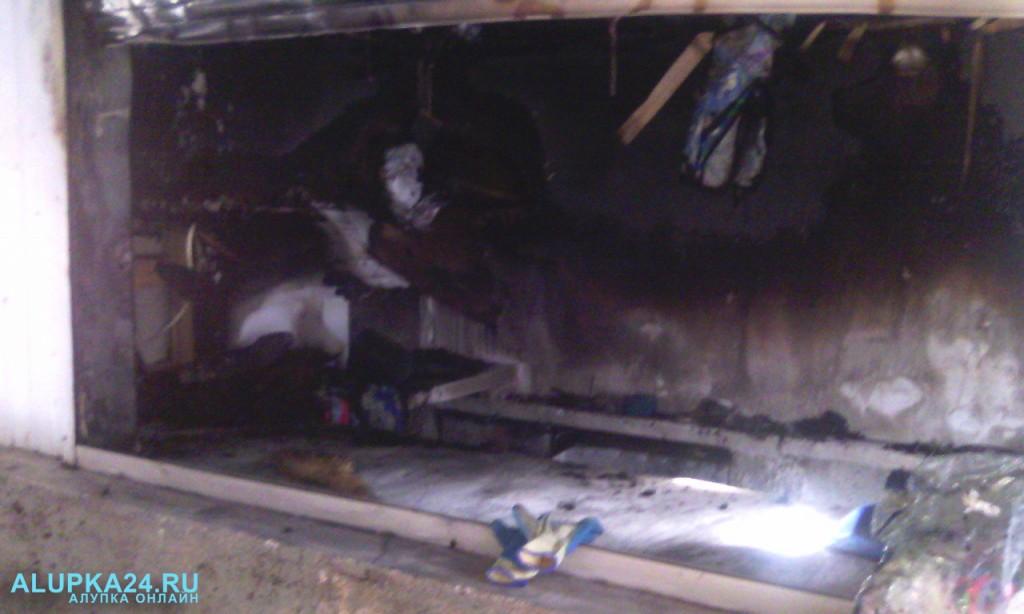 В Алупке на рынке в Новых Домах сгорела торговая точка