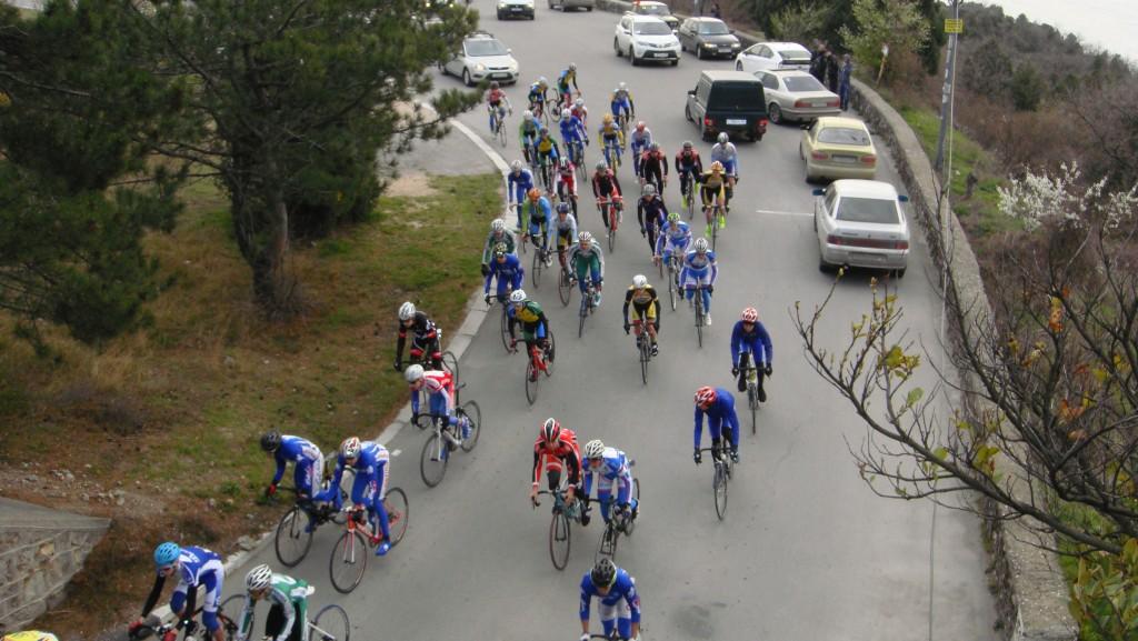 В Алупке проходит первенство России по велосипедному спорту (фото)