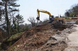 На участке дороги Ялта-Гончарное начались ремонтные работы