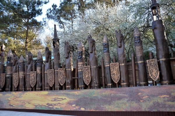 Деревянные скульптуры «Поляны сказок»