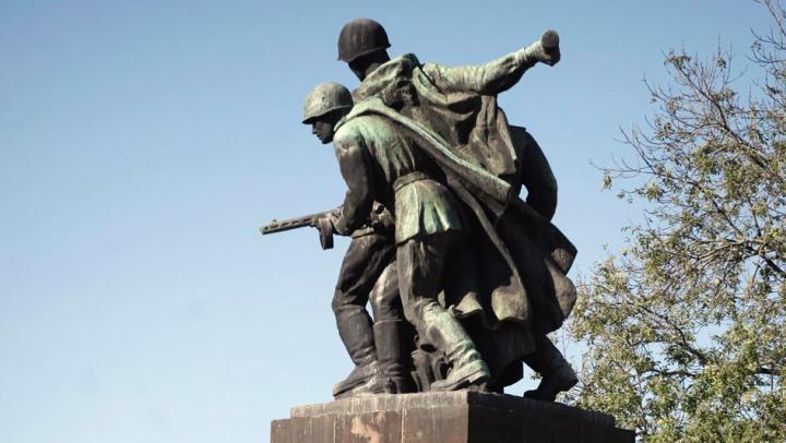 Советские памятники в Польше