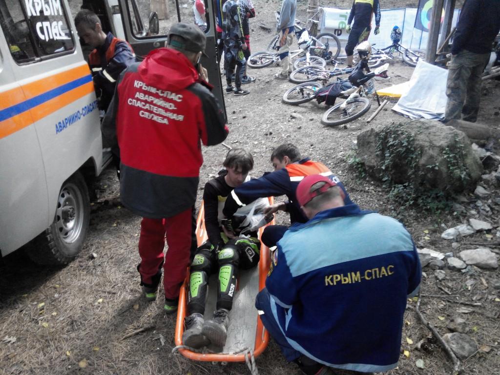 На Ай-Петри оказали помощь участнику скоростного спуска на велосипедах