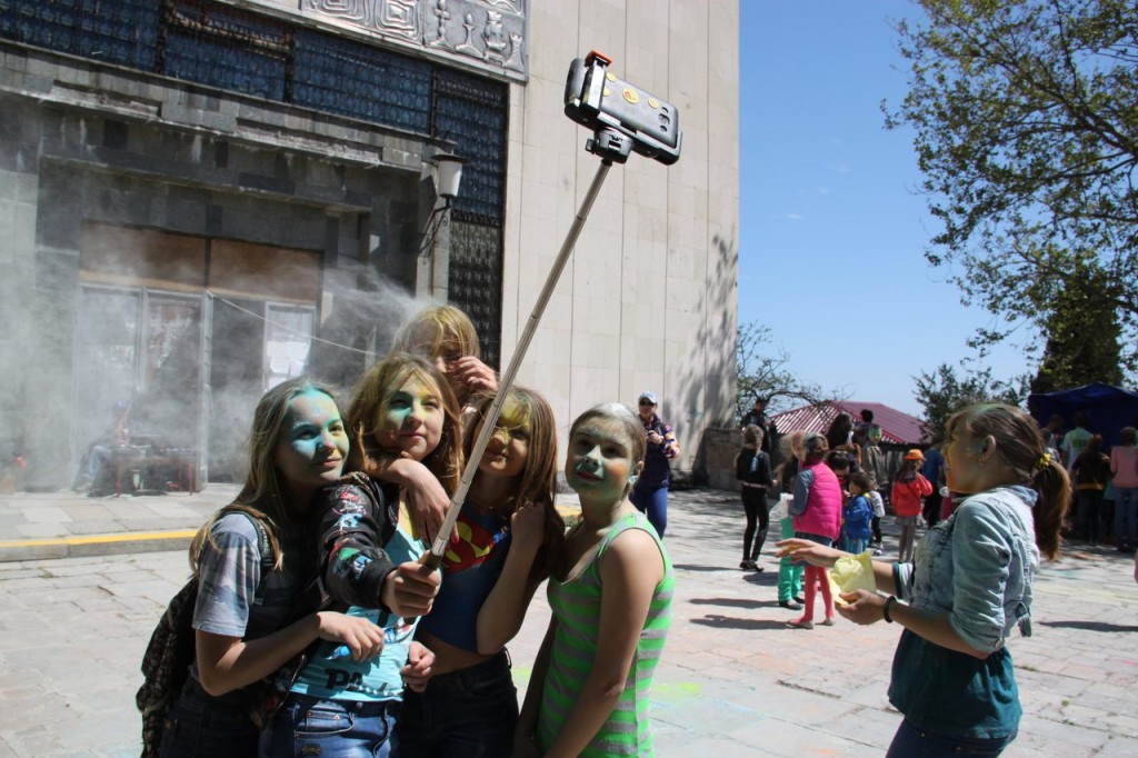 На фестивале красок в Алупке 13