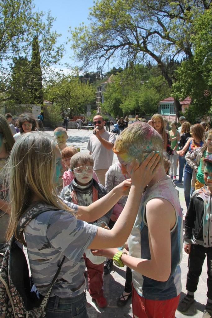 На фестивале красок в Алупке 5