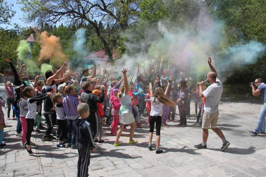 На фестивале красок в Алупке 17