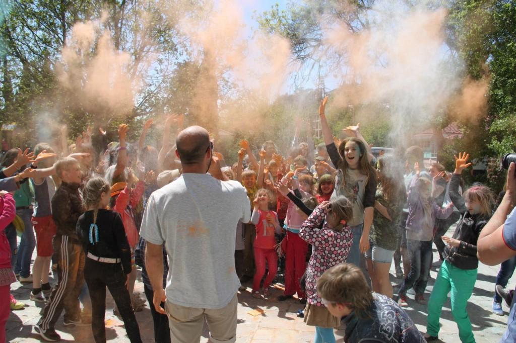 На фестивале красок в Алупке 15