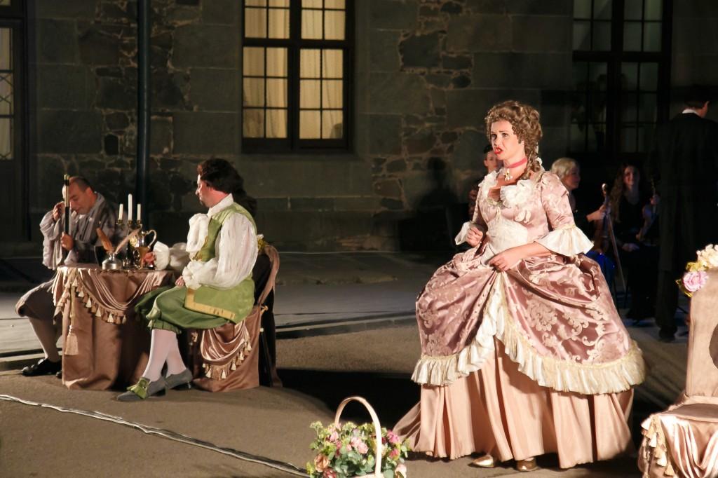 Постановка итальянской оперы «Служанка-госпожа»