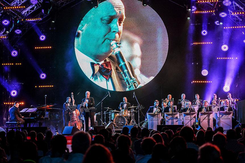 Антти Сарпила и биг-бэнд Георгия Гараняна выступают с программой Tribute to Benny Goodman