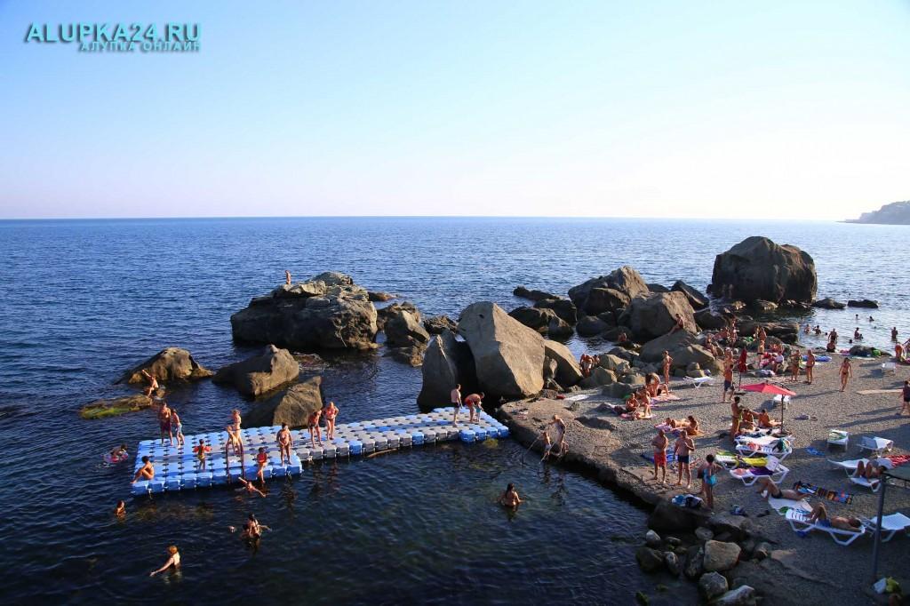 Алупка в разгар курортного сезона и модернизация детского пляжа 4