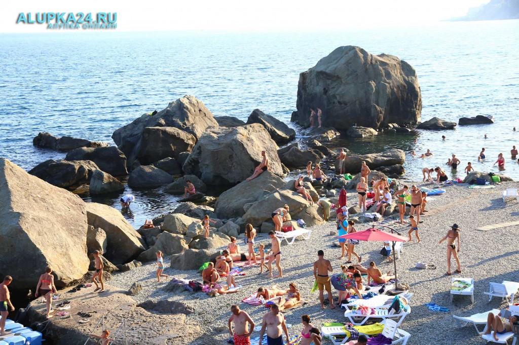 Алупка в разгар курортного сезона и модернизация детского пляжа 7