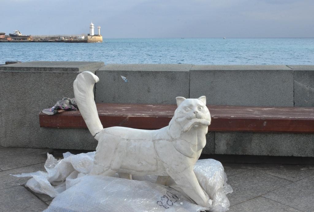 В Ялте появится Аллея кошек и скульптура Коту Сосискину