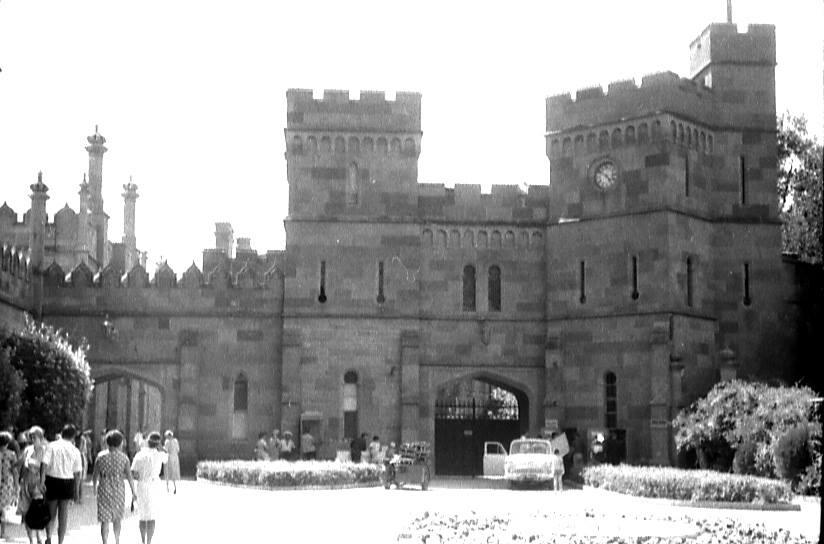 Старые фото Воронцовского дворца в Алупке 6