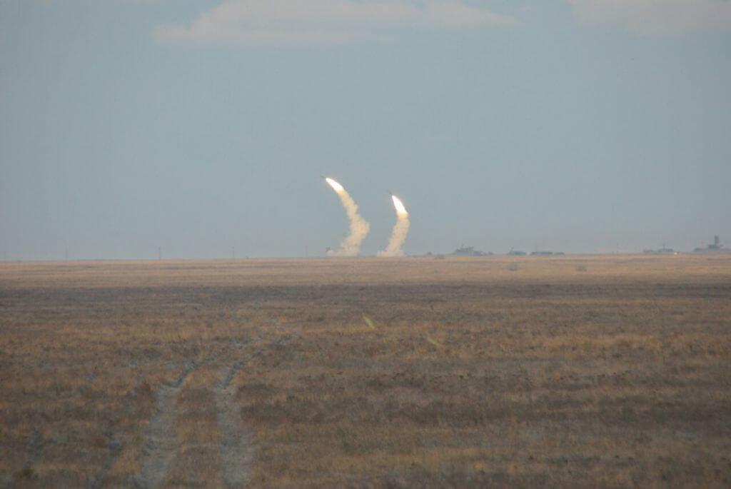 Ракетные стрельбы на границе с Крымом