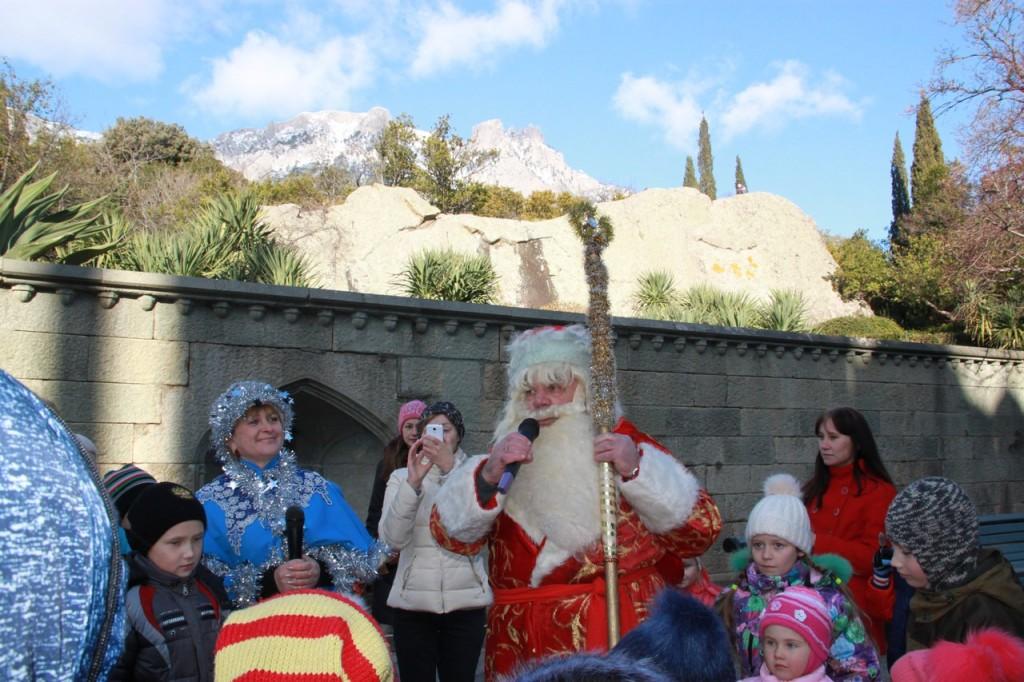 Дед Мороз и Снегурочка на ёлке в Воронцовском дворце 9