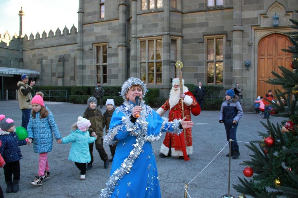 Дед Мороз и Снегурочка на ёлке в Воронцовском дворце 5