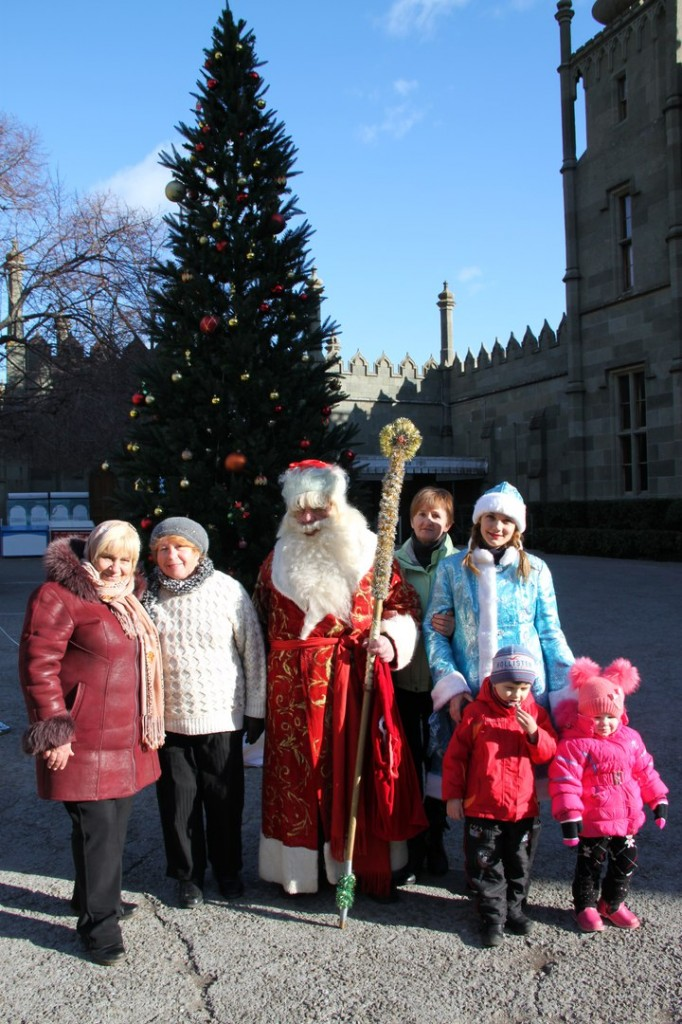 Дед Мороз и Снегурочка на ёлке в Воронцовском дворце 8