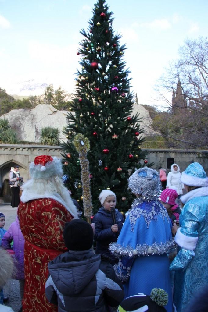Дед Мороз и Снегурочка на ёлке в Воронцовском дворце 6