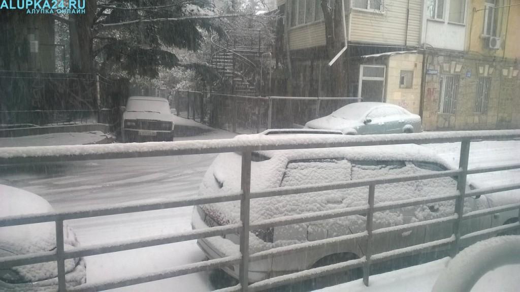 Ялта в снегу 2