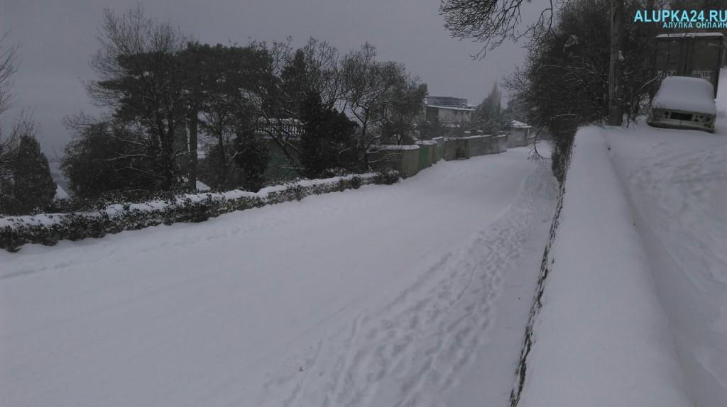 Алупка в снегу зимой 2017 2