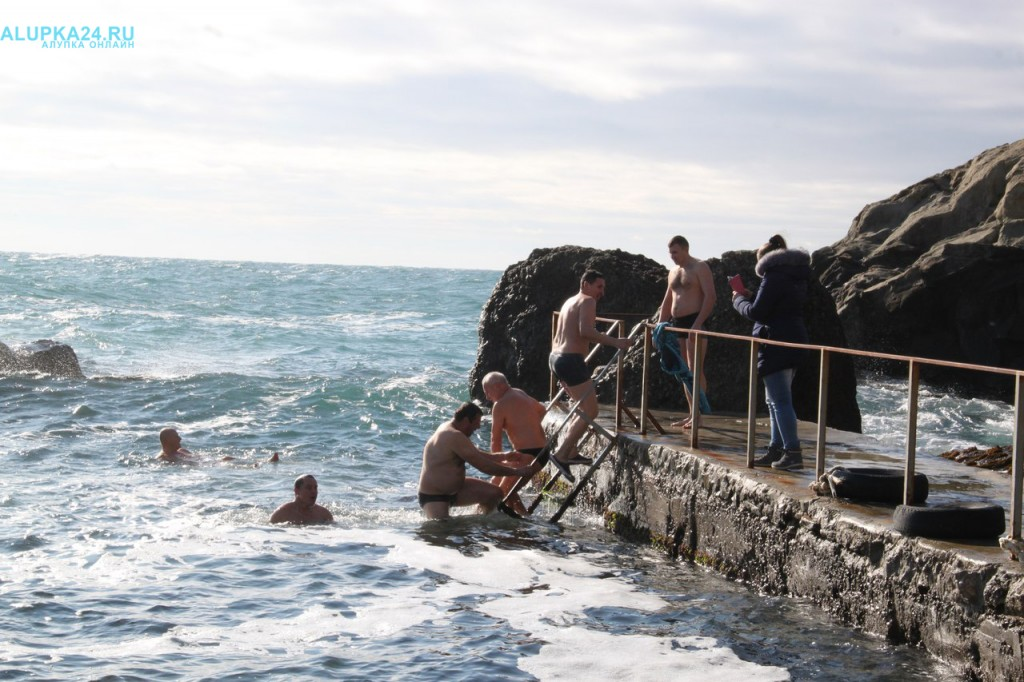 В Алупке отметили Крещение Господне 2017