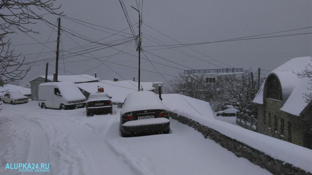 Алупка в снегу 2017 год