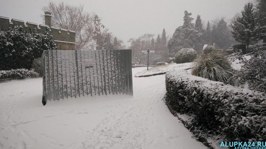 Воронцовский парк в снегу 3