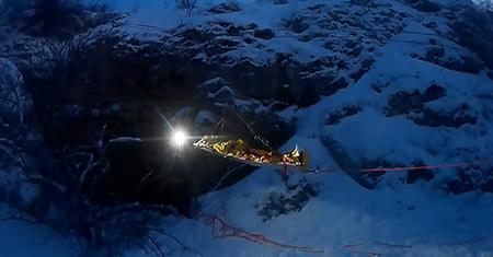 Ялтинца спасли из 15-метровой вертикальной пещеры