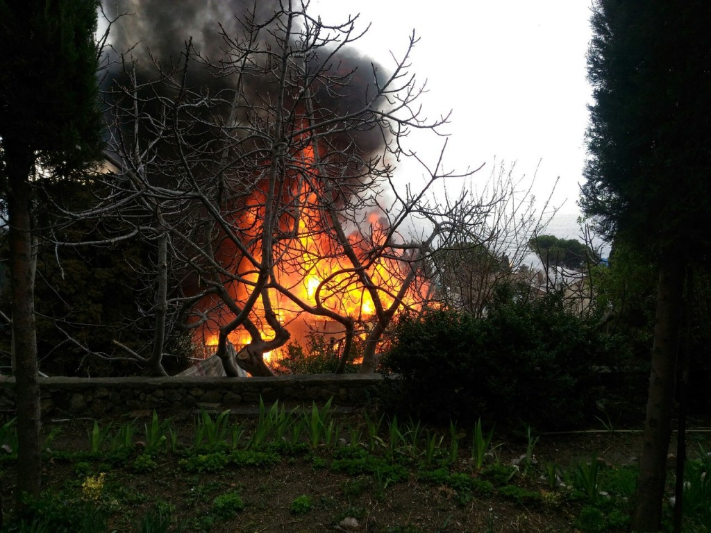 Пожар в Алупке 20.03.17 - 7