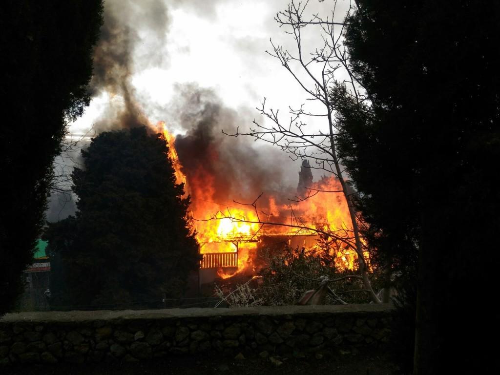 Пожар в Алупке 20.03.17 - 6