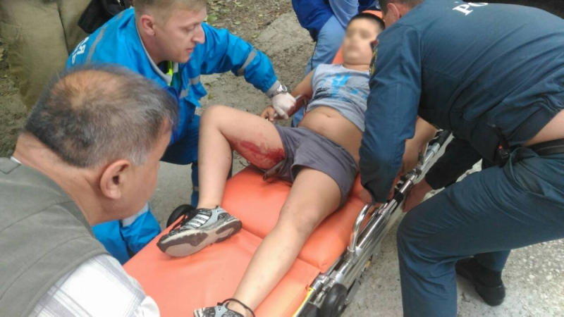 В Алупке на арматуру упал десятилетний мальчик 2