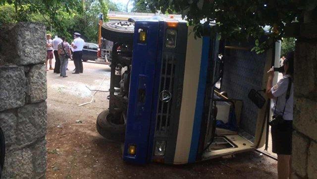 В ДТП в Массандре пострадали 20 человек 2