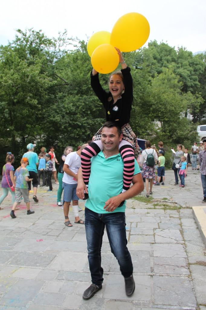 В Алупке День защиты детей отметили фестивалем «Солнечный круг» (фото) 5