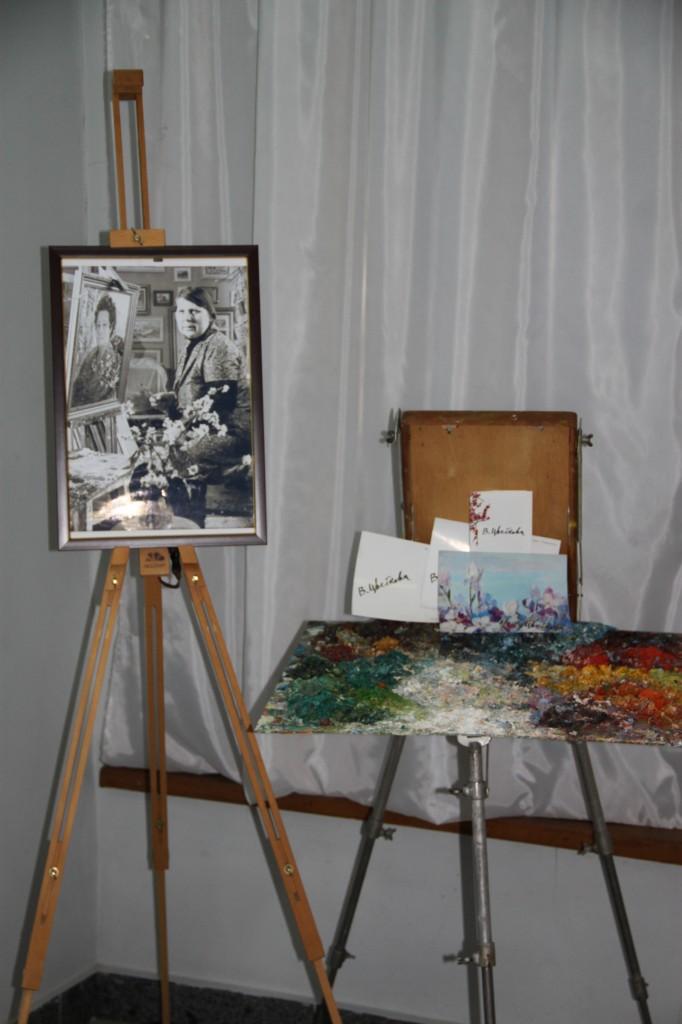 В Алупке состоялась выставка Валентины Цветковой 3