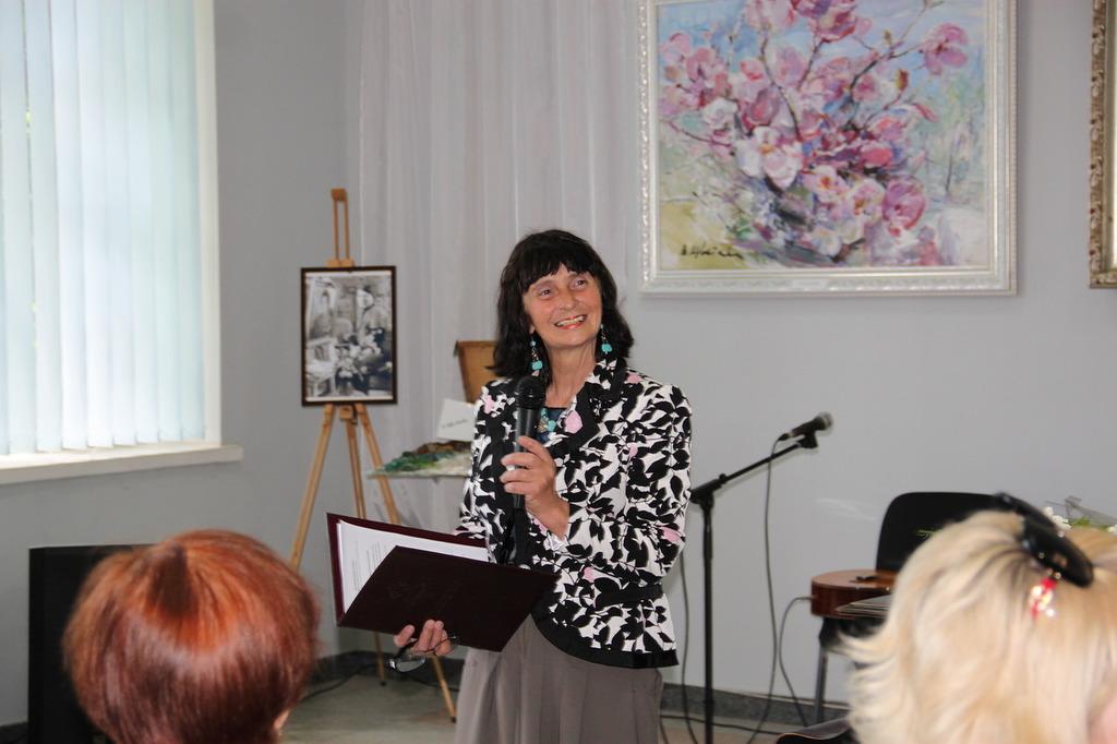 В Алупке состоялась выставка Валентины Цветковой 5