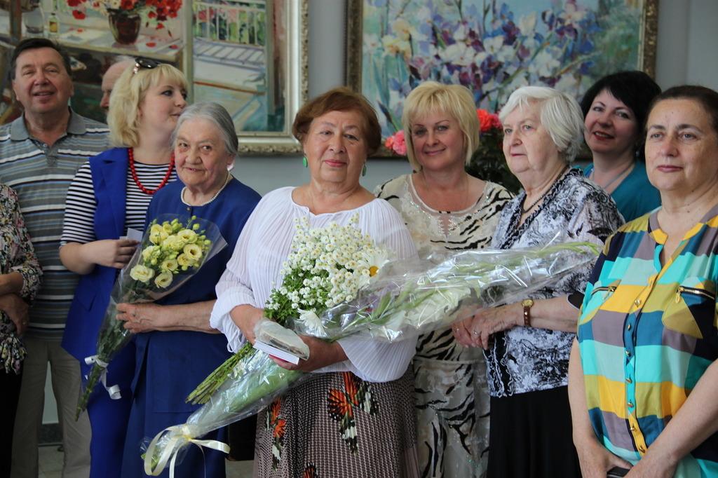 В Алупке состоялась выставка Валентины Цветковой 8