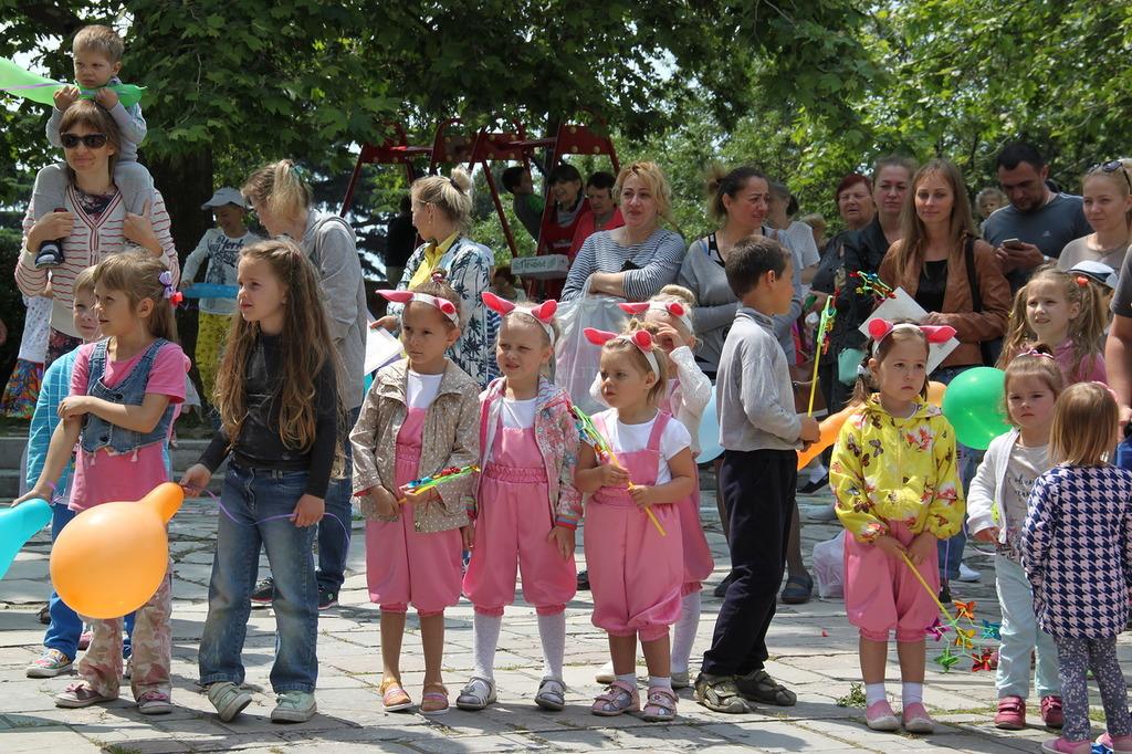 В Алупке День защиты детей отметили фестивалем «Солнечный круг» (фото) 2