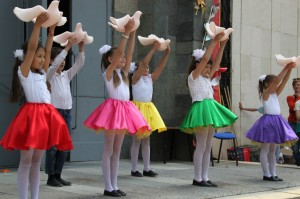 В Алупке День защиты детей отметили фестивалем «Солнечный круг» (фото)